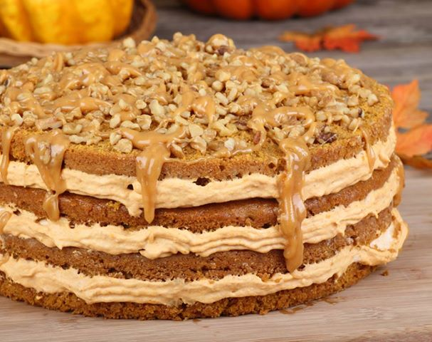 LAYERED PUMPKIN CAKE WITH CARAMEL AND PECANS | Kiss my Ingredients